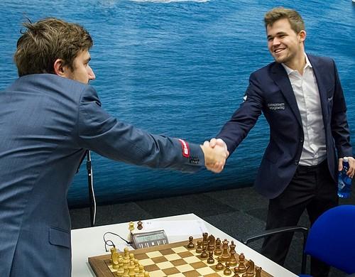Карлсен обыграл Карякина исравнял счет вматче затитул чемпиона мира