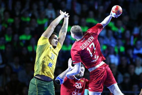 Российская Федерация одолела Бразилию намужскомЧМ погандболу